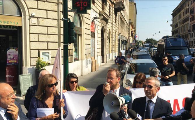 """#NOBAVAGLIO/ L'articolo di Gianluca Di Feo su Repubblica:  """"Vietato manifestare davanti all'ambasciata turca"""""""