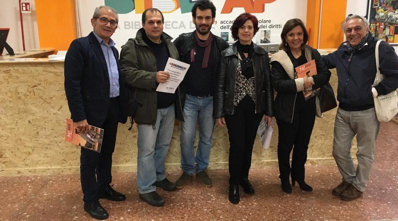 Cinecittà, donati pc antimafia nella scuola di Eros Ramazzotti