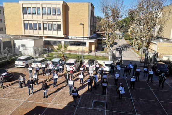 Flashmob di solidarietà: Ad Anzio sono tutti Lina Giannino